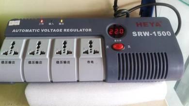Portable relay cottrolled auto voltage regulator