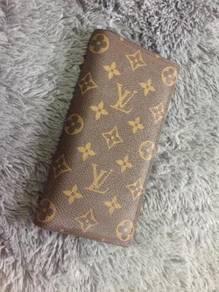 Louis Vuitton Authentic Long Leather Wallet