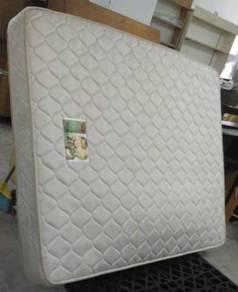 Tilam Queen Spring Mattress Goodnite 19cm * L30 AA