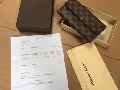 Authentic Louis Vuitton Sarah wallet damier ebene