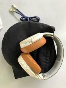 Skull Candy Crusher Wireless Headphone.