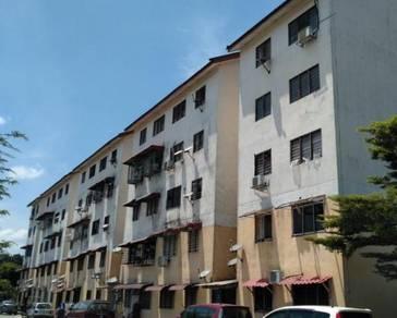 Flat in Taman Kinrara, Seksyen 4, Puchong, Selangor