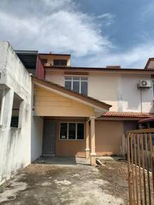 Double storey. putra perdana. la cottage. gated guarded. access card