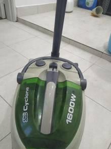 Vacuum cleaner power 1600W