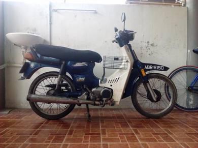 Motor untuk dijual (Suzuki Rc 100)