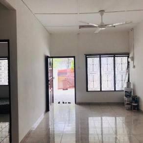 Rumah Sewa Ulu Tiram Taman Zamrud 3 bilik Low Price Low Depo