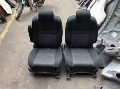 Toyota wish 2.0 center seat 6 seater 2pcs