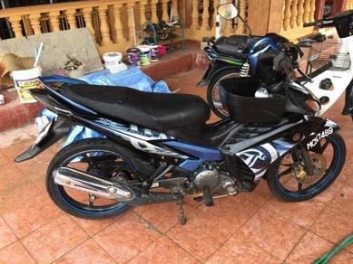Yamaha LC135 V2 warna hitam biru