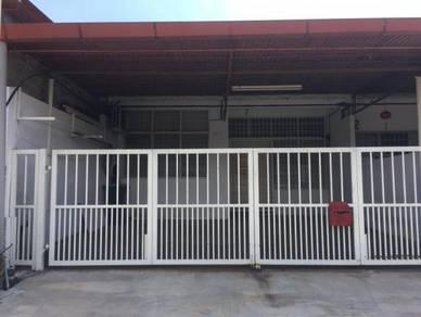 1/ Story Ter At Taman Ria Jaya facing Maybank