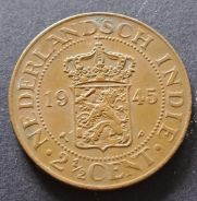 Nederlandsch Indie 2 1/2 Cent 1945 (Item A)