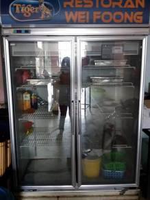2 door display chiller