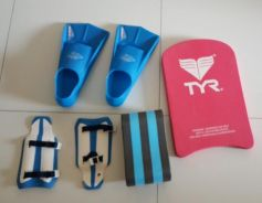 Swimming kit: Fins, table, pullboy and and paddles