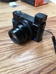 Sony Cyber-shot DSC-RX100 mark vi camera