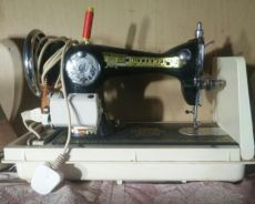 Butterfly sewing leg with machine auto