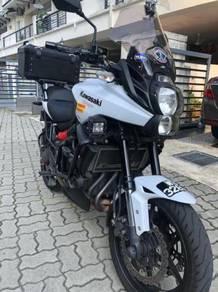 Kawasaki Versys 650 top box