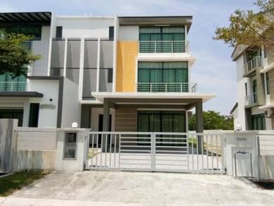 3 STOREY SEMI D, New House - RASAH KEMAYAN, Villa 28, Seremban 2, N9