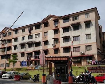 Lestari Apartment in Damansara Damai, Petaling Jaya, Selangor