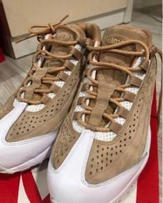 Nike Man shoe ( wear twice only) cheap sell