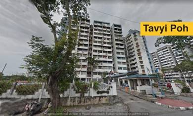 Desa Permata Apartment Aquamarine Block 7 master room have toilet