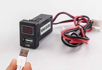 Oem usb port car charger with volt meter