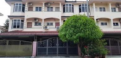 2 & Half Storey Terrace House in Lindungan Bulan Pasir Puteh