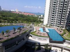 Tropicana Bay Residences, Penang World City. Pool View, 872sf, 2 CP