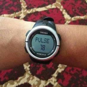 Jam tangan mampu milik NE ORIGINAL