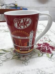 Kit kat season mug