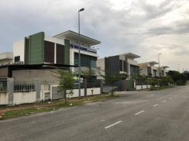 [CORNER] Factory Tmn Perindustrian Putra Puchong