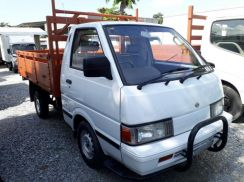 2004 Nissan C22 Pick up Cargo 9ft BDM2200 Air Cond