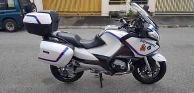 2012 BMW R1200RT Metallic White M3 body design