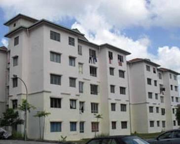 Azalea Court Apartment in Bandar Tasik Puteri, Rawang, Selangor
