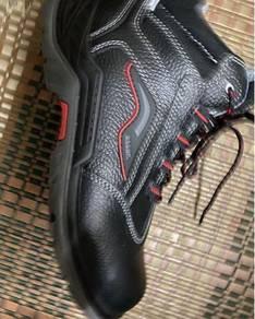 Safety shoes oscar