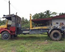 Hooklift lorry (roro lorry)