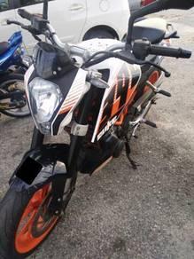 KTM duke390