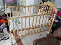 Very good condition baby items