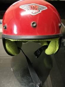 Helmet Budak