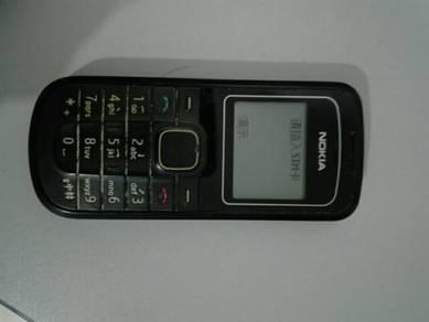 Nokia basic phone model (no color & got charger)
