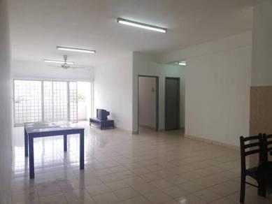 FREEHOLD Level 1 Blok A, Desa Saujana Apartment,Seri Kembangan & lift