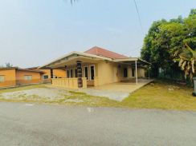 BUNGALOW Single Storey, Kg Haji Ismail, Ampangan