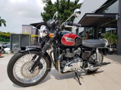 Triumph Bonneville T100 (Air Cooled)
