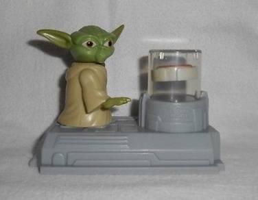 Star Wars Cone Wars Yoda Uses Force Levitator Toy
