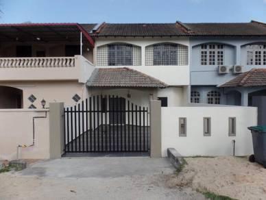 1.5 Storey House (Bumi Lot)
