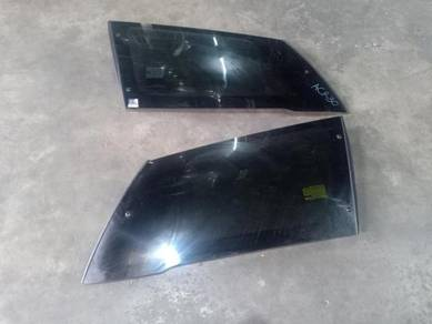 Toyota Estima ACR30 Rear Side Glass