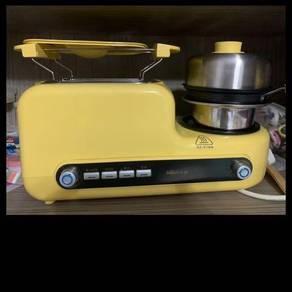 Bread toaster & Egg fyer