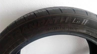 2pcs Toyo TRANPATH LuII 245/45R19 102W Tread70-80%