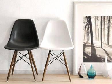 Eames Eiffel Designer Chair (Black)
