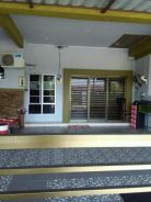 Rumah teres setingkat d Seri Iskandar, Perak