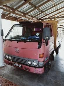 Toyota Dyna 2.5(M) diesel LY100R