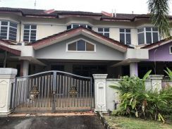 D/Stry Show House Fully Renovated with Kitchen Extend-Tmn Putri Kulai